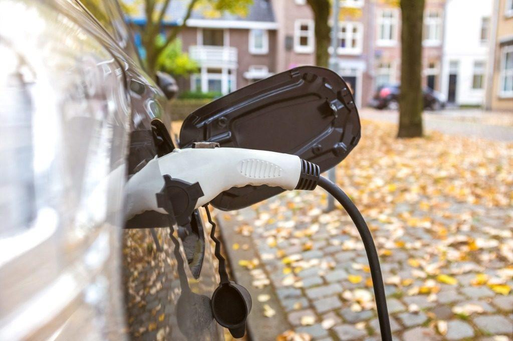 schaap advocaten notarissen rotterdam overname aandelen emobility eneco flow charging